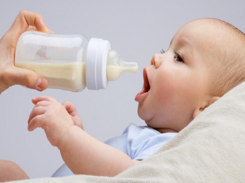 Nếu không cho con uống sữa công thức thì uống cái gì bây giờ?