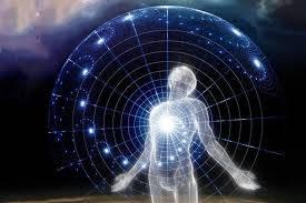 con người chịu ảnh hưởng của từ trường trái đất và được ví như 1 tiểu vũ trụ