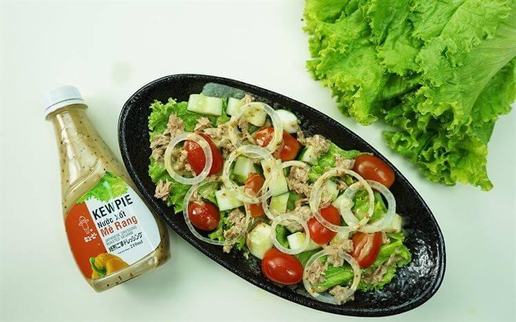 Salad trộn là món ăn thích hợp cho thực đơn detox 3 ngày.